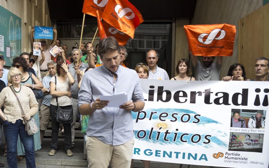 Concentración frente a la embajada argentina de Madrid. Exigimos libertad para Raúl Noro y Milagro Sala