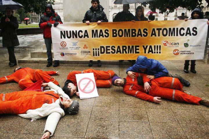 El desarme nuclear y progresivo primer paso hacia la Nación Humana Universal